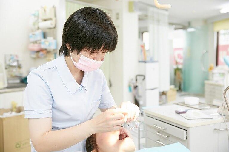 プロの手による歯のクリーニング「PMTC」